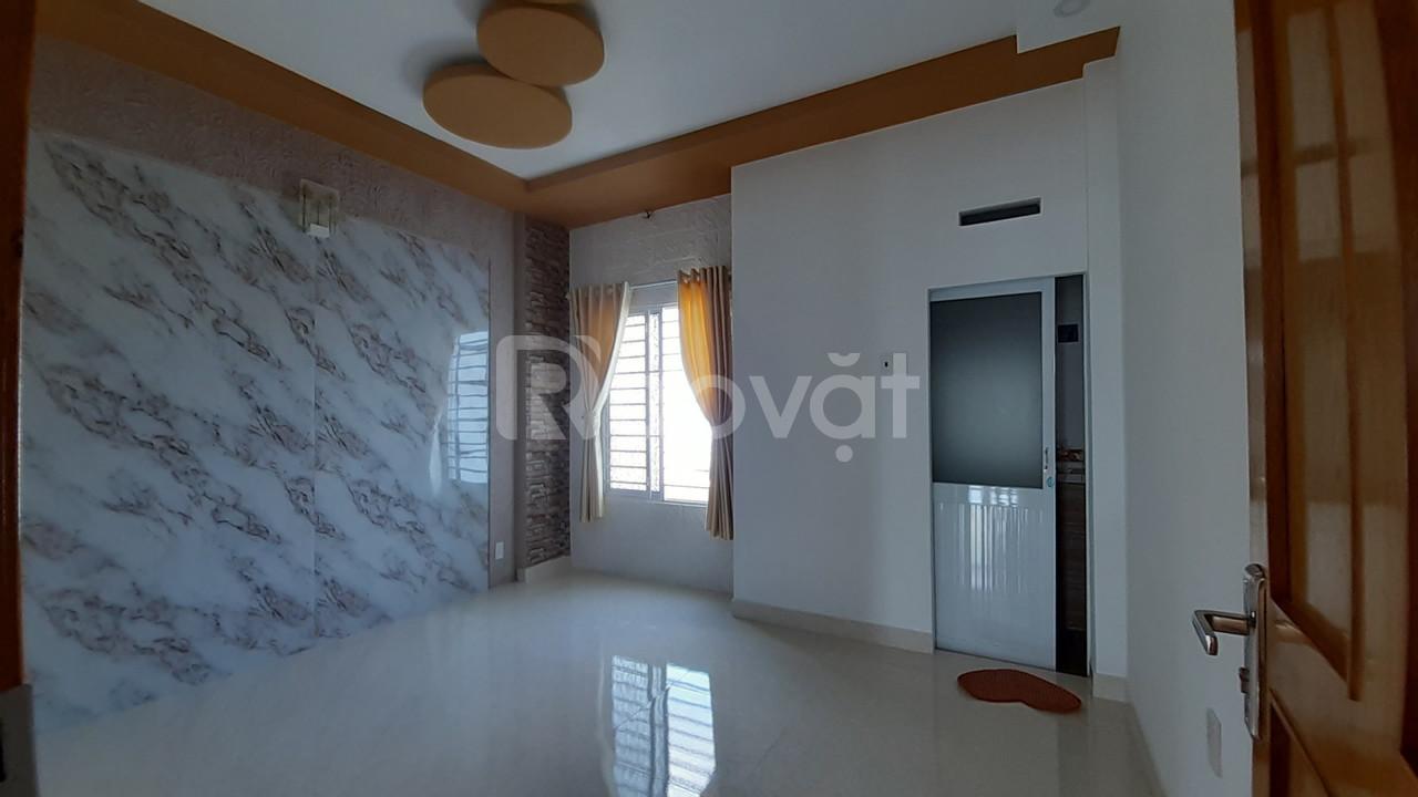 Nhà mới xây đẹp 4x14m KDC VIP sát Hóc Môn (ảnh 3)