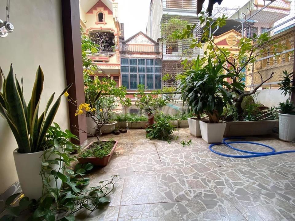 Bán nhà Vũ Tông Phan 64m2*4T phân lô, lô góc hai mặt ngõ, ô tô vào nhà