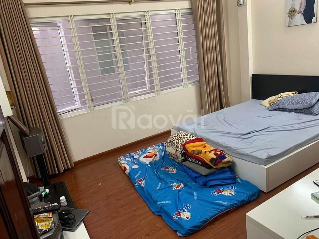 Bán nhà đẹp Trương Định, mặt tiền 4.6m, DT41m, 4T, 3.05 tỷ
