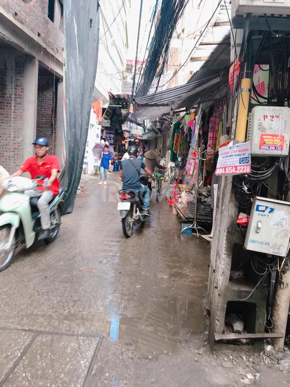 Cần bán nhà cấp 4 40m2, mt 4,6m, ngõ thông tứ phía, Hữu Hưng, Tây Mỗ.