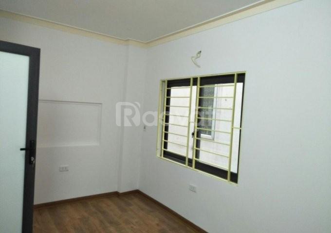 Nhà Thanh Nhàn 33m2x5t, nội thất vip, giá nhỉnh 2 tỷ