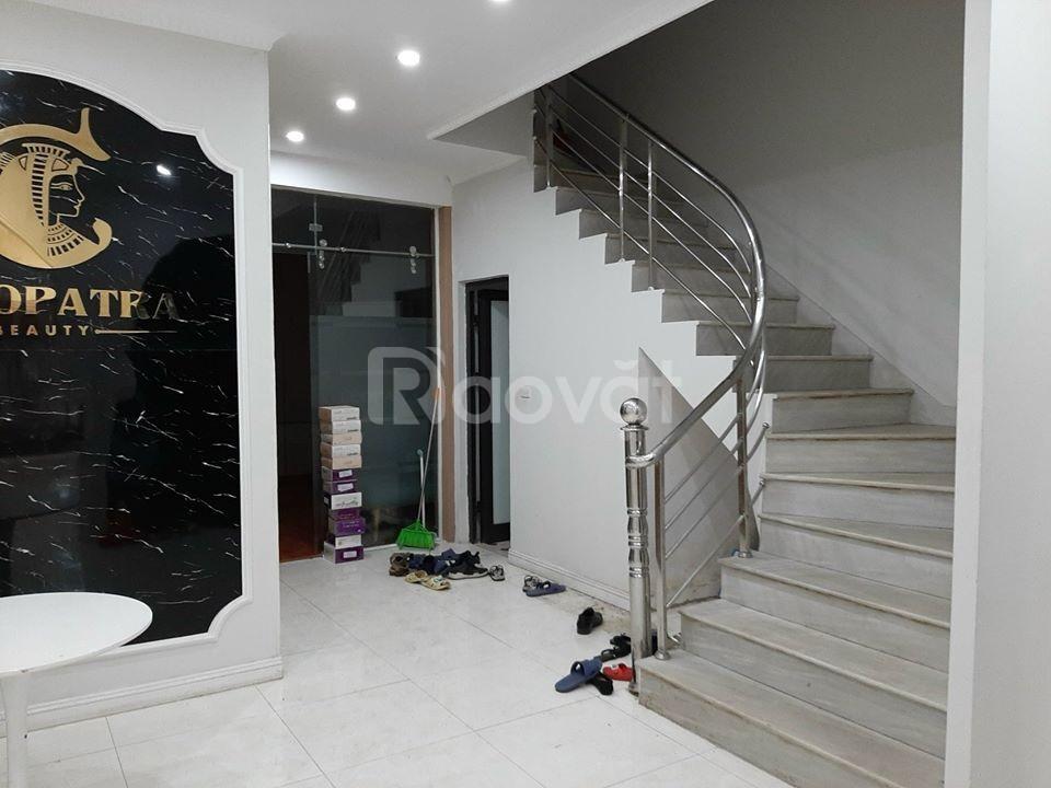 Cho thuê nhà mặt phố Võ Văn Dũng 91 m2 x 6 tầng
