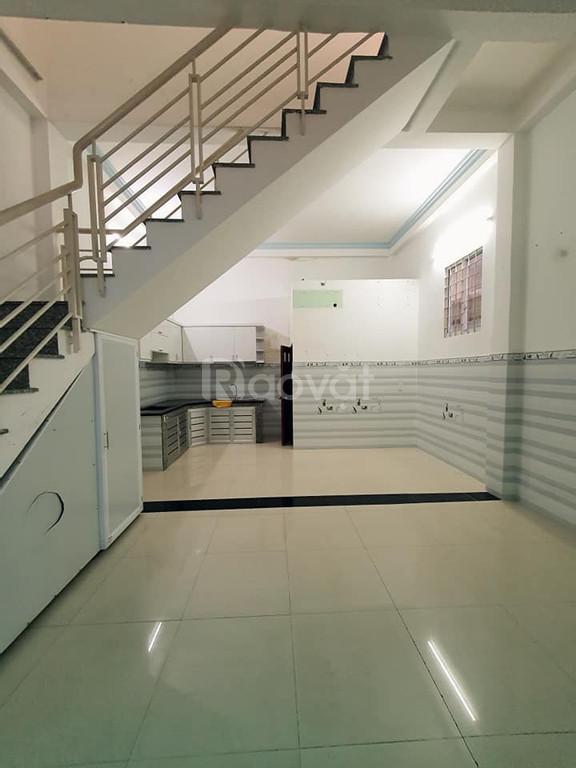 Bán gấp nhà Huỳnh Văn Bánh, Phú Nhuận, 4,5x9M, 2 tầng, chỉ 4,5 tỷ
