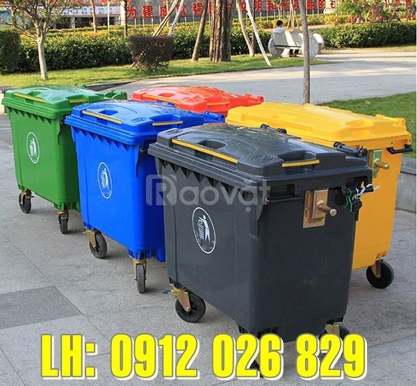"""Mua xe đẩy rác 660 lít, xe đẩy rác 4 bánh ở đâu """"đáng tiền"""" nhất?"""