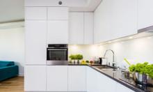 Tủ bếp chữ L màu trắng - thi công tủ bếp công nghiệp giá rẻ