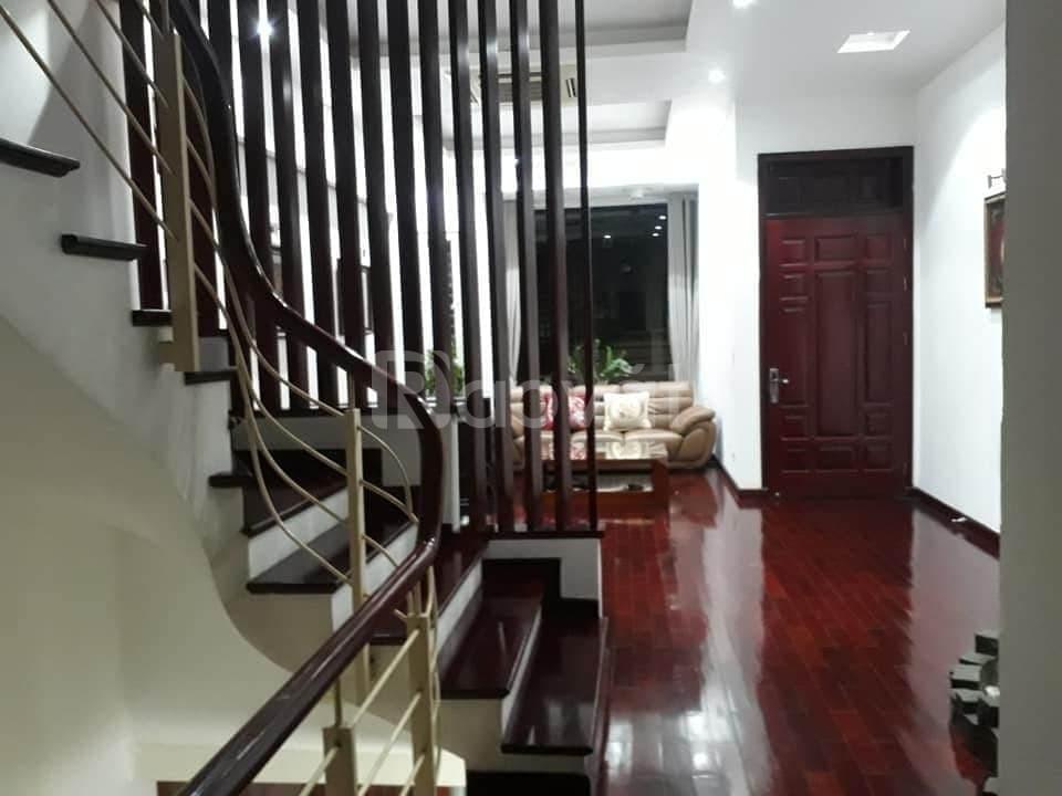 Bán nhà Ái Mộ, Long Biên, 100m ngõ ô tô 7 chỗ vào nhà, full nội thất