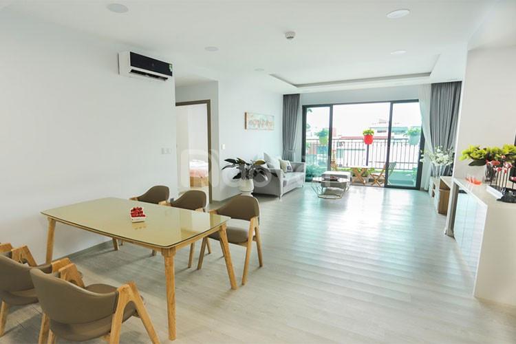 Tôi có căn hộ ở Tràng An Complex, 2PN ban công hướng Nam tầng 18 đủ đồ