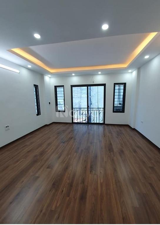 Nhà mới ở ngay Tôn Thất Tùng 33 m2 (ảnh 4)