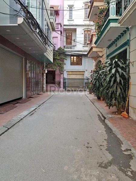 Cần bán gấp nhà gần chợ Vĩnh Phúc- Ba Đình