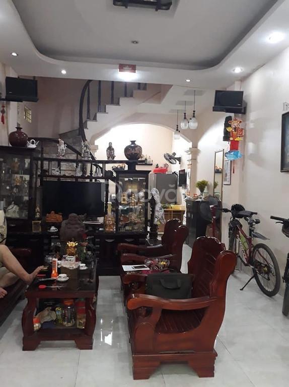Định cư nước ngoài bán gấp nhà đẹp Đống Đa, 45m2x5T, MT 3.5m (ảnh 1)