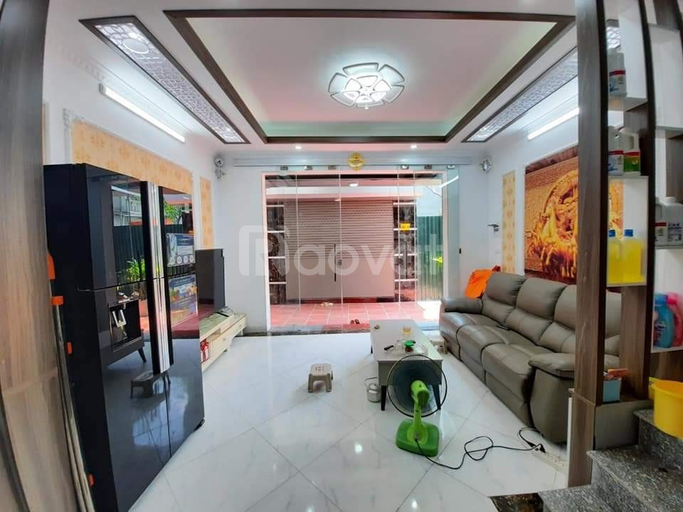 Nhà ô tô đỗ cửa, ngõ rộng thoải mái gần Trương Định