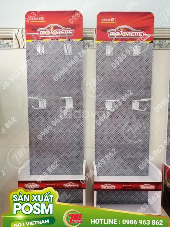 Hanger format trưng bày quảng cáo sản phẩm.