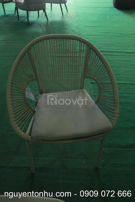 Bộ bàn ghế nhựa mây 4 món nhỏ gọn