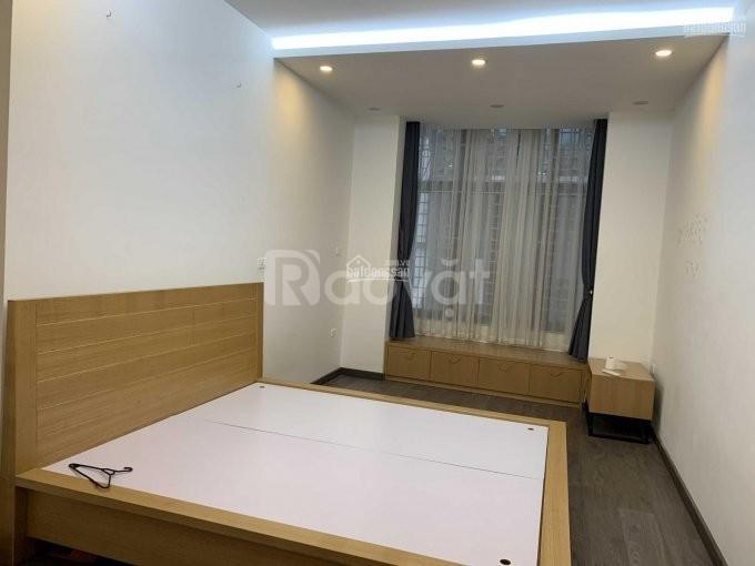 Cho thuê nhà nguyên căn Thái Thịnh 40m*5 tầng,mt 3,5m