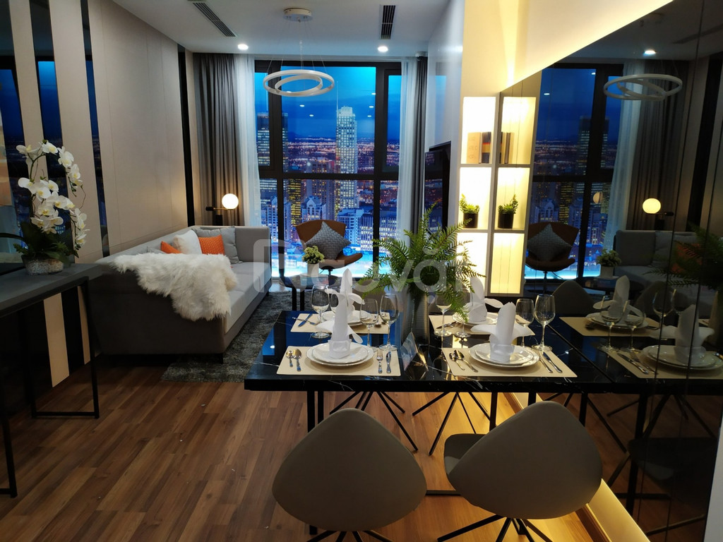 Bán gấp căn hộ 70m2 full đồ nội thất trung tâm quận Cầu Giấy (ảnh 1)