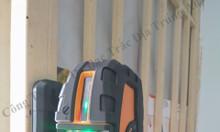 Máy cân bằng laser treo tường tia xanh