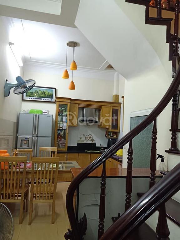 Bán nhà 5T 40m2 phố Phùng Khoang ô tô để trong nhà