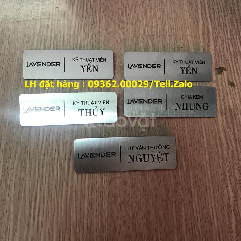 Bảng tên, thẻ tên nhân viên cài ngực