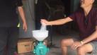 Hình ảnh thực tế máy nghiền vỡ ngô hạt mini gia đình tại đây (ảnh 7)