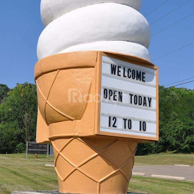 Mô hình côc kem composite khủng lồ