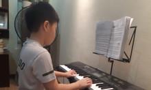 Lớp học âm nhạc cùng giáo viên trong nhạc viện ưu đãi
