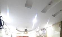 Nhà kinh doanh gần Ngã Tư Sở, khu vực sầm uất, lợi nhuận