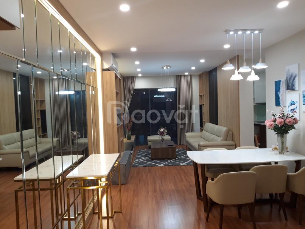 Cần tiền bán gấp căn hộ Goldseason 3 phòng ngủ, nội thất đầy đủ