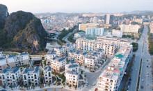 Bán gấp biệt thự Mon Bay hướng Đông Nam 210m2 giá 19.5 tỷ