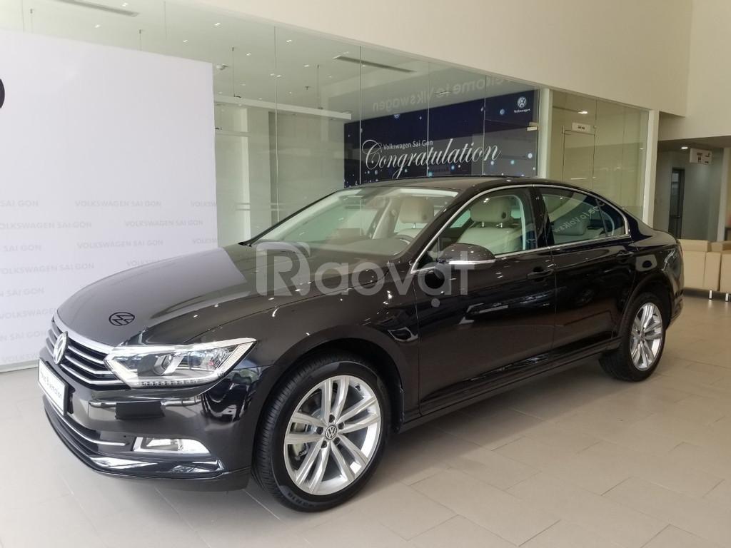 Volkswagen Passat 2020 ưu đãi 200 triệu