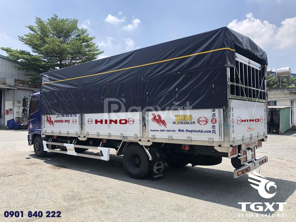 Hino FC thùng mui bạt bửng nhôm, hỗ trợ trả góp 80%