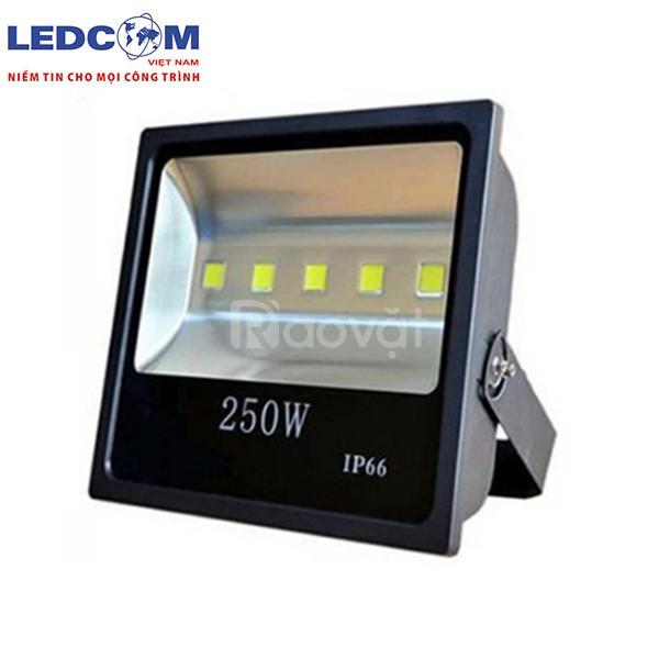 Đèn LED pha 250W cao cấp