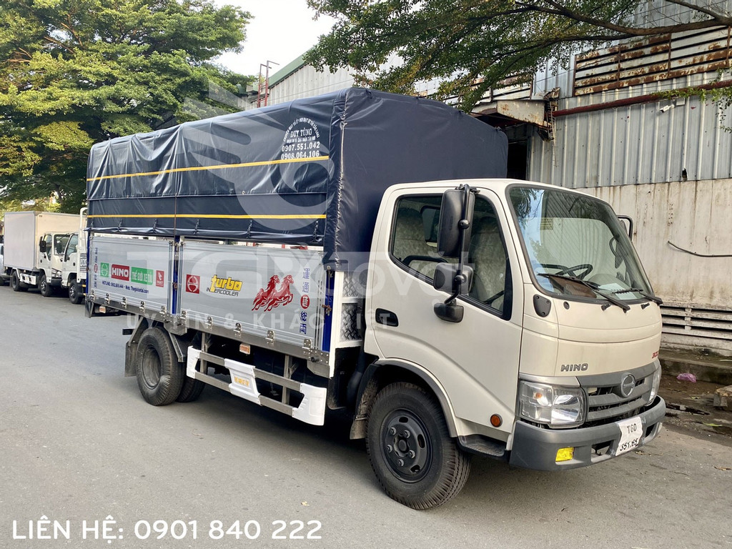 Xe tải Hino XZU342L tải 5T, thùng dài 4m45, trả trước 130tr nhận xe