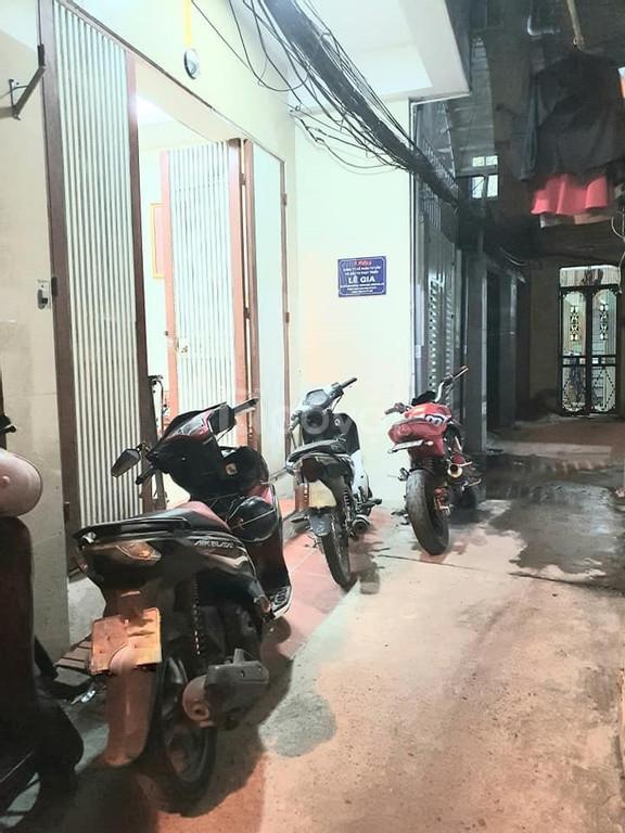 Bán nhà Trương Định, Nguyễn Đức Cảnh 60M2 x 3,5 Tầng, giá 3,3 tỷ.
