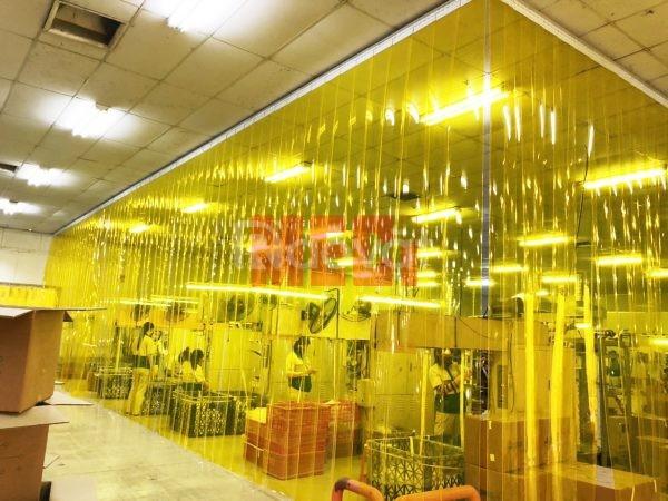 Màn nhựa pvc vàng trong ngăn côn trùng lắp đặt KCN Quế Võ - Bắc Ninh (ảnh 6)