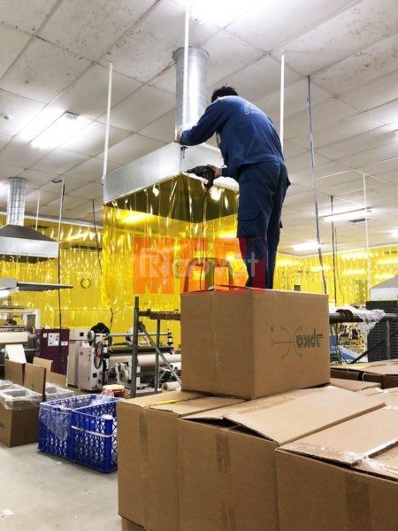 Màn nhựa pvc vàng trong ngăn côn trùng lắp đặt KCN Quế Võ - Bắc Ninh (ảnh 4)