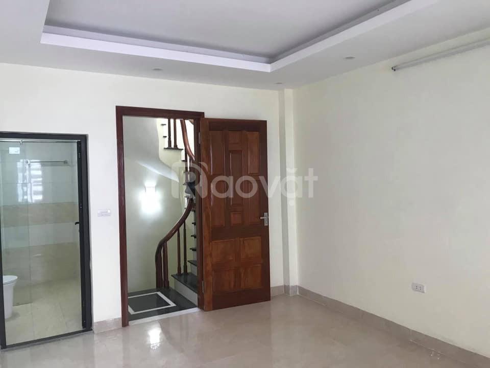 Nhà đẹp Lê Trọng Tấn, Thanh Xuân 35M2, 2.95 Tỷ đường trước nhà như mặt