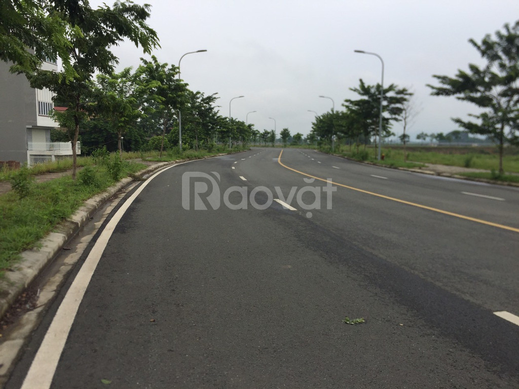 Bán đất Tân Xã 125m2 full thổ cư, mặt hồ Tân Xã công nghệ cao Hòa Lạc