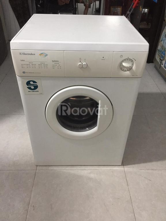 Máy sấy khô quần áo