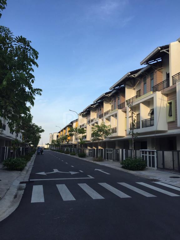 Bán nhà mặt phố tiềm năng cho thuê 350-400triệu/năm