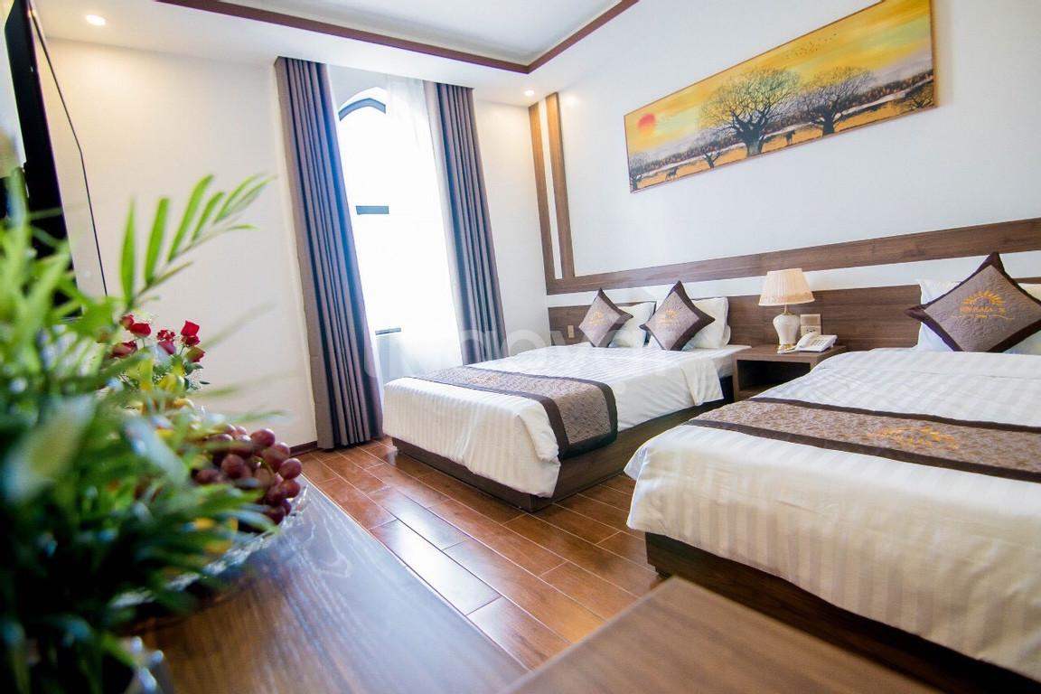 Cần bán 2 căn khách sạn 300m2x5t tại Bãi Cháy, Hạ Long