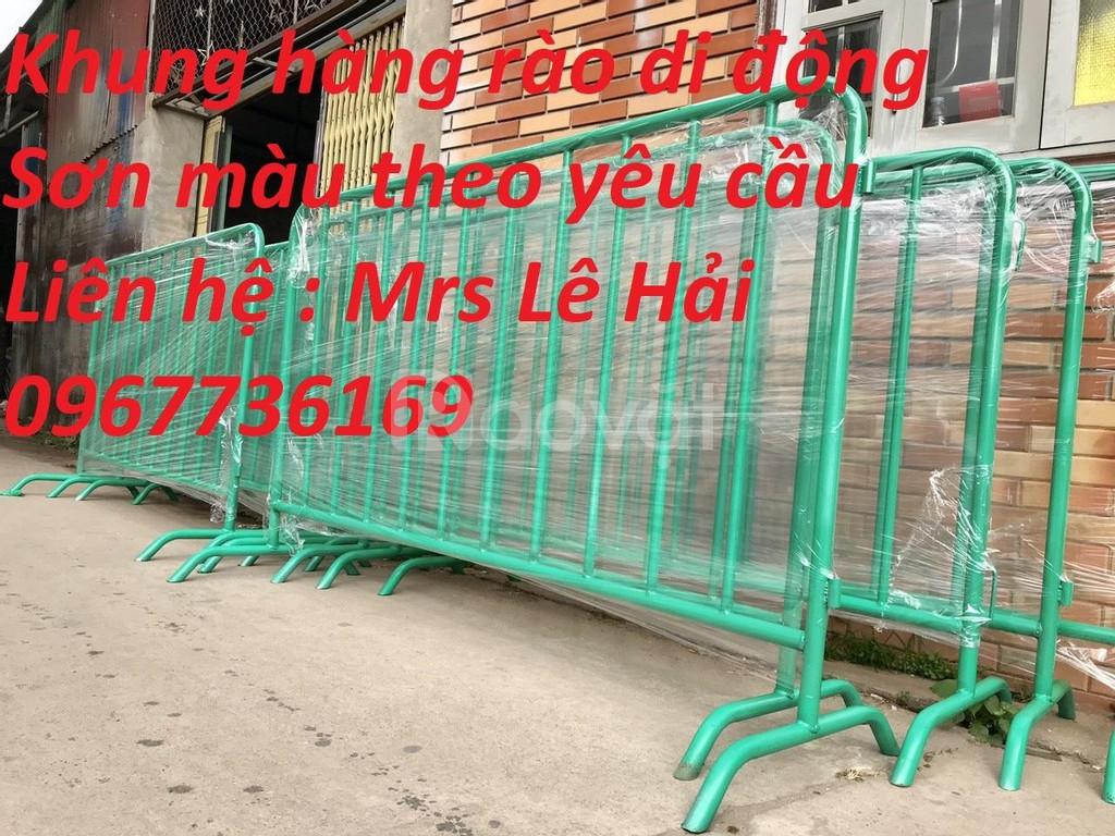 Sản xuất gia công hàng rào di động - khung rào ba rie