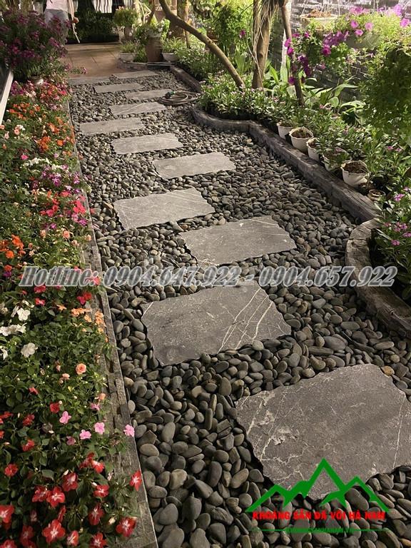 Trang trí sân vườn bằng đá sỏi