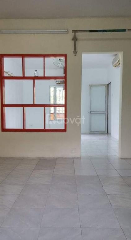 Cho thuê căn hộ tập thể A5 Giảng Võ, đường Kim Mã Ba Đình 55m 2PN