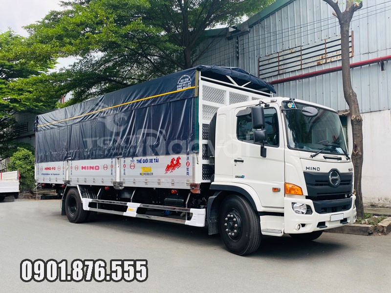 Xe tải Hino FG thùng bạt dài 7m9 có sẵn vay 80%