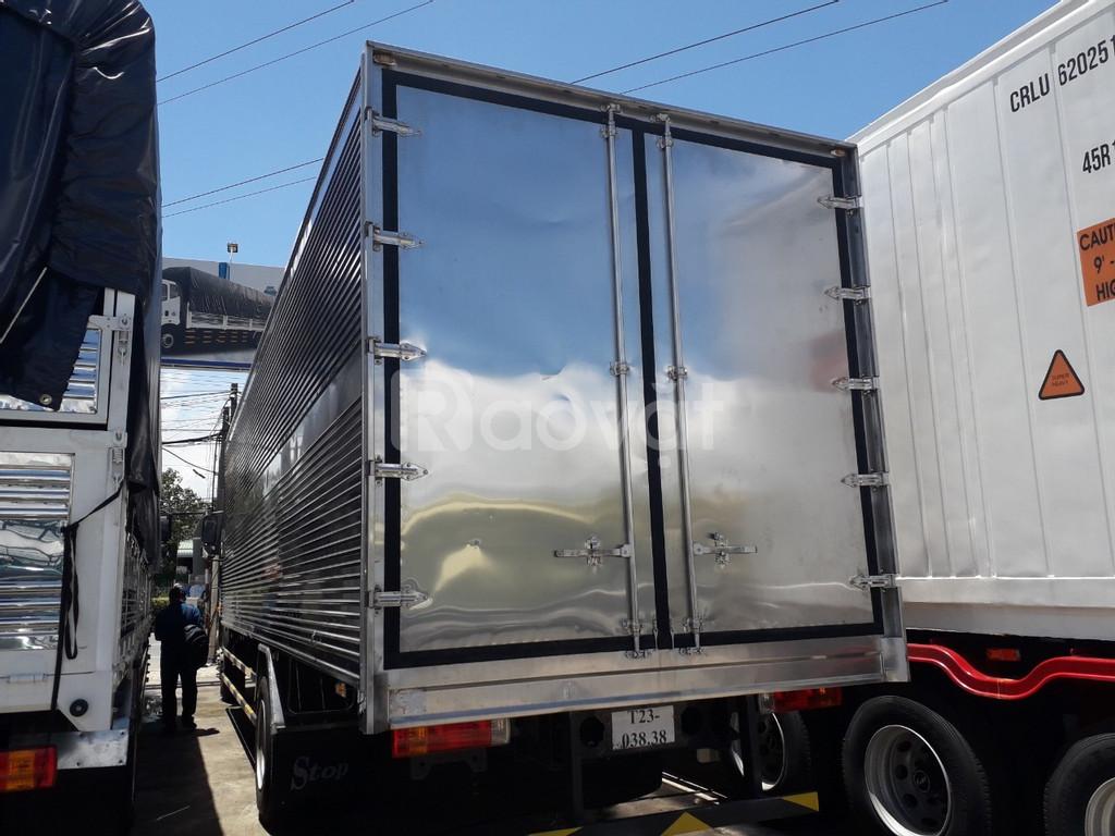Giá xe tải Faw 8 tấn thùng dài 9m7 đời 2020