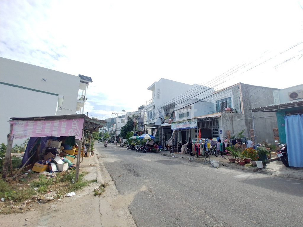 Bán nhà phố Nha Trang