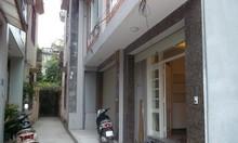 Bán nhà ngõ Hồ Tùng Mậu 40 m2, ngõ thông