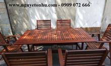 Bộ bàn ghế gỗ ngoài trời có dù che