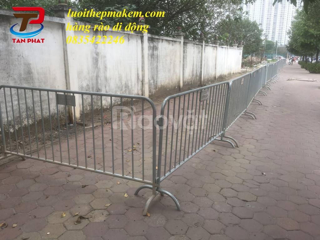 Hàng rào di động, barie ngăn cách, khung hàng rào