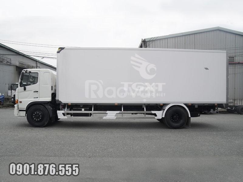 Xe tải Hino FG thùng bảo ôn dài 7m9 hỗ trợ vay cao giao nhanh